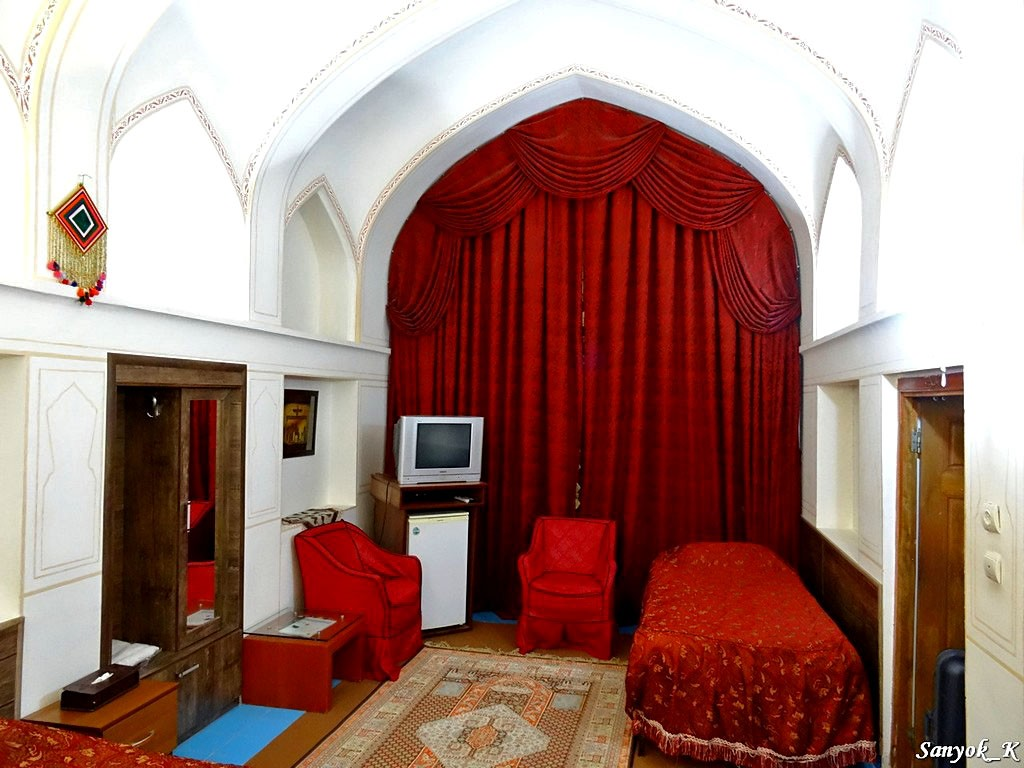 0450 Isfahan Traditional hotel Исфахан Отель Традиционный
