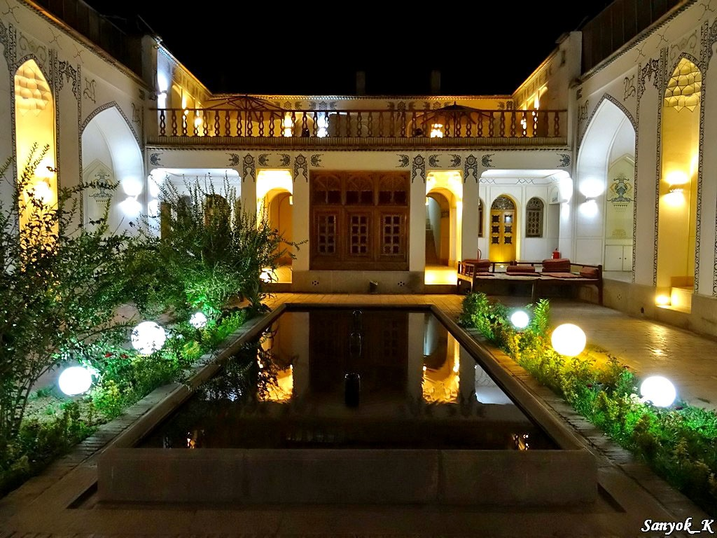 0461 Isfahan Traditional hotel Исфахан Отель Традиционный