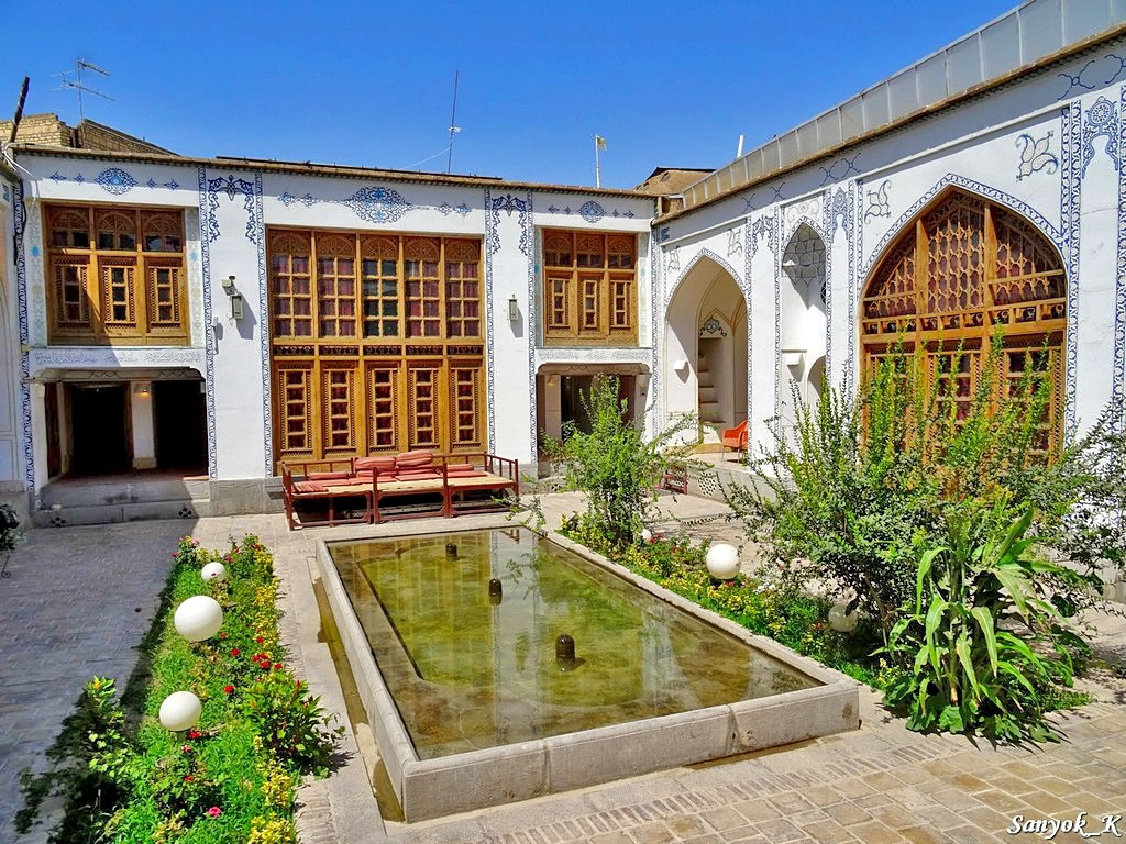 0462 Isfahan Traditional hotel Исфахан Отель Традиционный