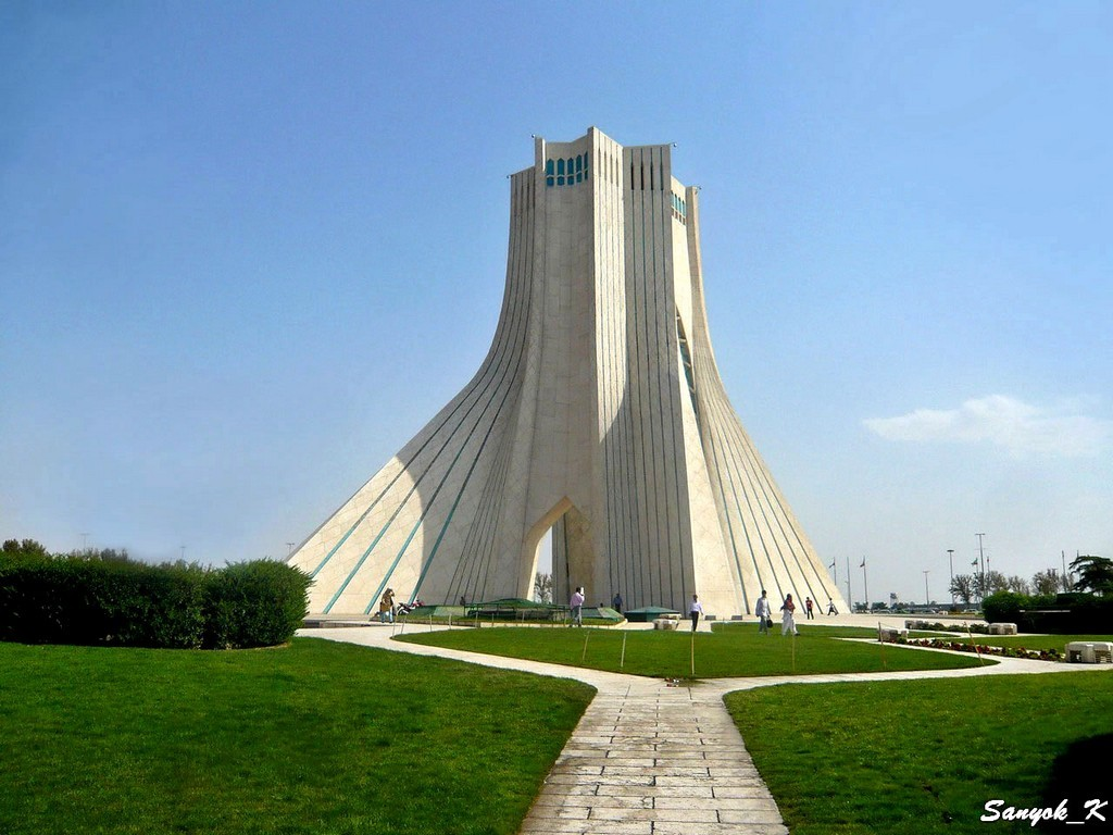 0800 Tehran Azadi tower Тегеран Башня Азади